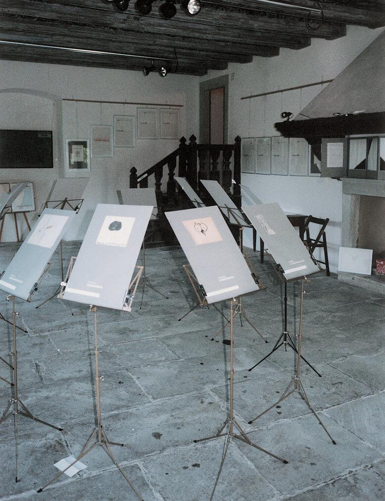 View-of-installation-Neue-Galerie-Schlössli-Götzental-Dierikon-1986-Photo-by-.jpg