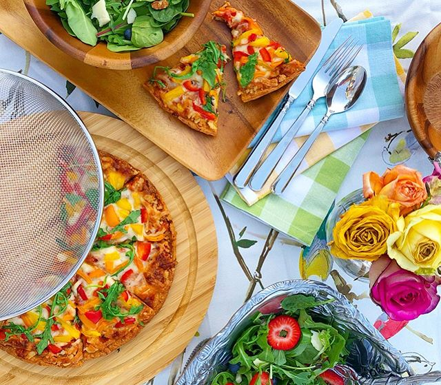 Any excuse to set the table and enjoy a meal alfresco under the twinkle lights with the cool summer breeze ✨ you can find me here all summer!! These beautiful serving pieces from @arthurcourtdesigns gave me just the inspiration I needed to turn pizza night into a dining experience— which I love! My favorite piece is this picnic cheese board with the cover that I used to serve our cauliflower pizza and keep it fresh and free from unwanted visitors 🦟 Also, this salad bowl is giving me alllll the feels! perfect to dress up your cookout or your formal dinner party!! • • Since I love Arthur Court's pieces so much they are offering my followers 10% off your ENTIRE purchase!! Use code lyraandjanekitchen at checkout and get some gorgeous things to turn your summer cookout into a beautiful dining experience! {link in bio 😘} #arthurcourtdesigns #arthurcourt