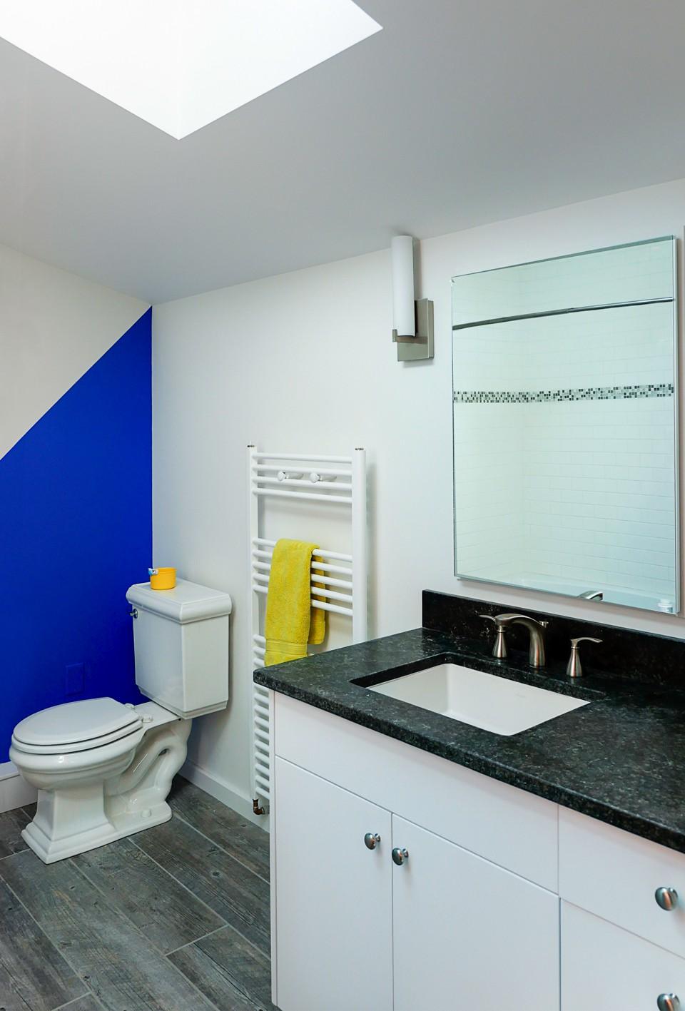 Shelburn Addition Bath.jpg
