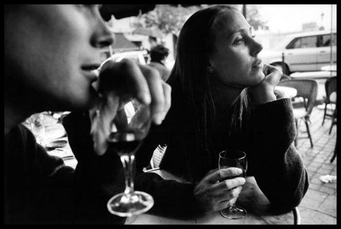 La Brasserie de l'Ile St. Louis, Paris, 1998. PHOTO: Peter Turnley