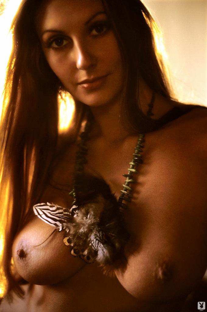 marilyn-cole-1972-retro-playboy-19.jpg