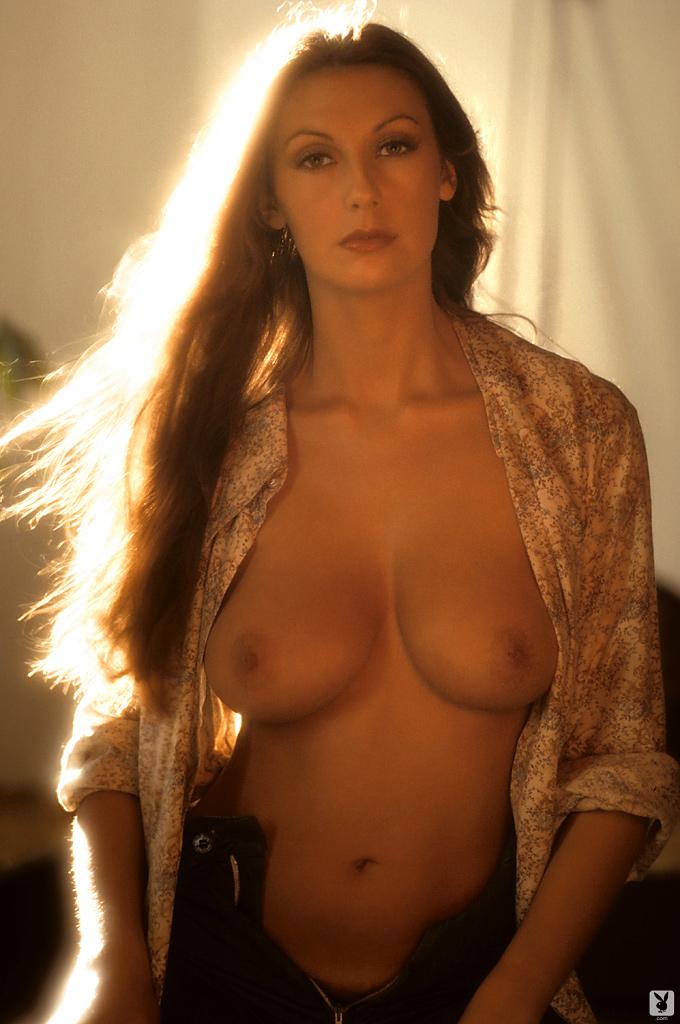marilyn-cole-1972-retro-playboy-13.jpg