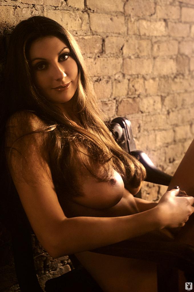 marilyn-cole-1972-retro-playboy-12.jpg