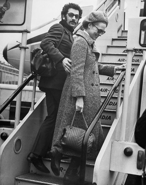 Jerry Schatzberg and Faye Dunaway leaving Paris on January 30, 1968.