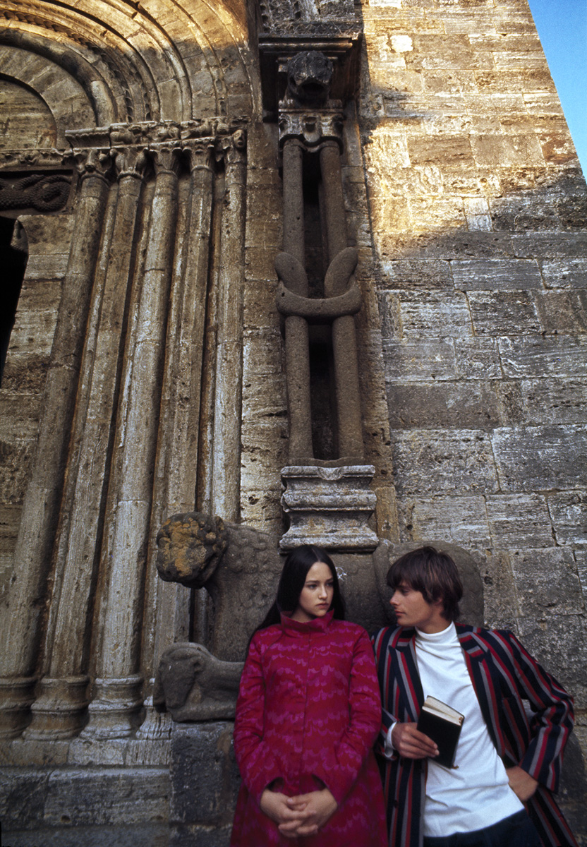 """Olivia Hussey and Leonard Whiting during the filming of """"Romeo & Juliet"""" in Rome, 1968"""