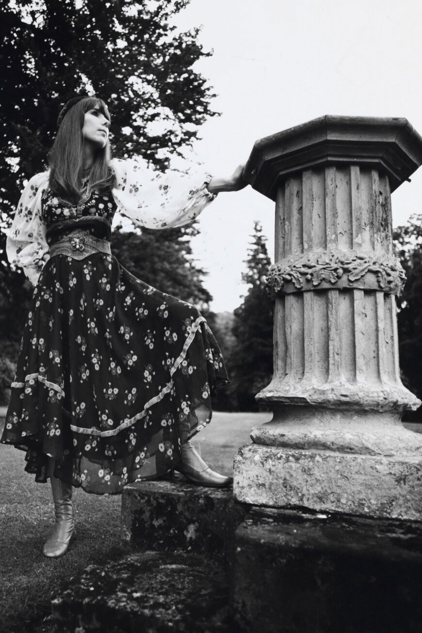 A THEA PORTER GiPSY DRESS PHOTOGRAPHED BY CHRISTIE, 1969.