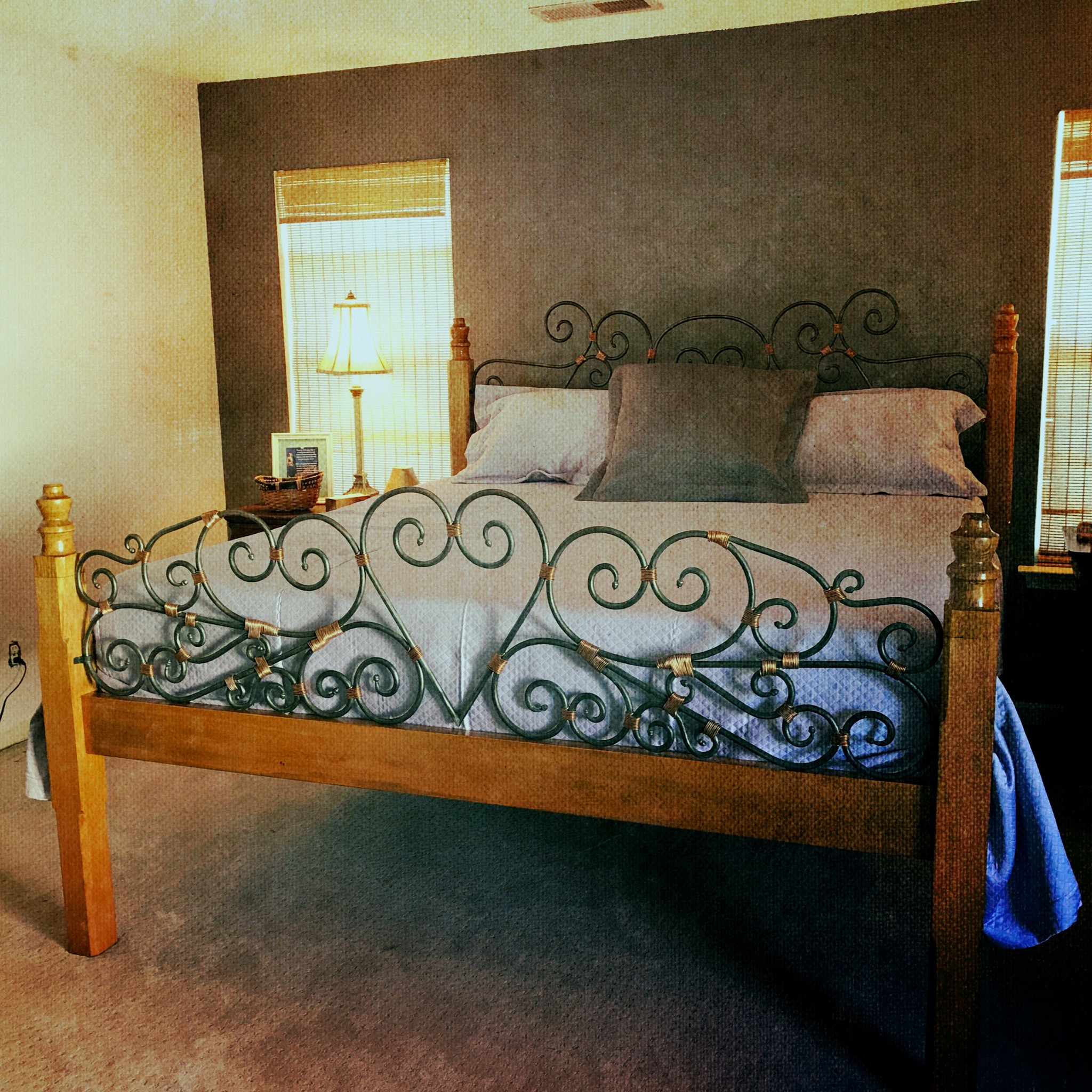 Shabby Chic:Country Wrought Iron Bed_Tall Pine Forge_29Apr2018.jpeg