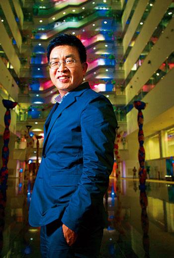 為對抗就業歧視,鄭恩頌(圖)創辦 EverYoung,證明銀髮族員工也能有國際競爭力。攝影者:郭涵羚