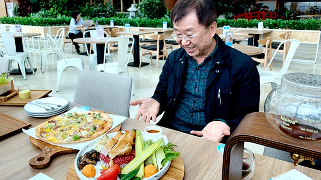 前王品副董王國雄,退休後創立成真社會企業,目標以咖啡循環世界美好。 圖片來源/成真咖啡