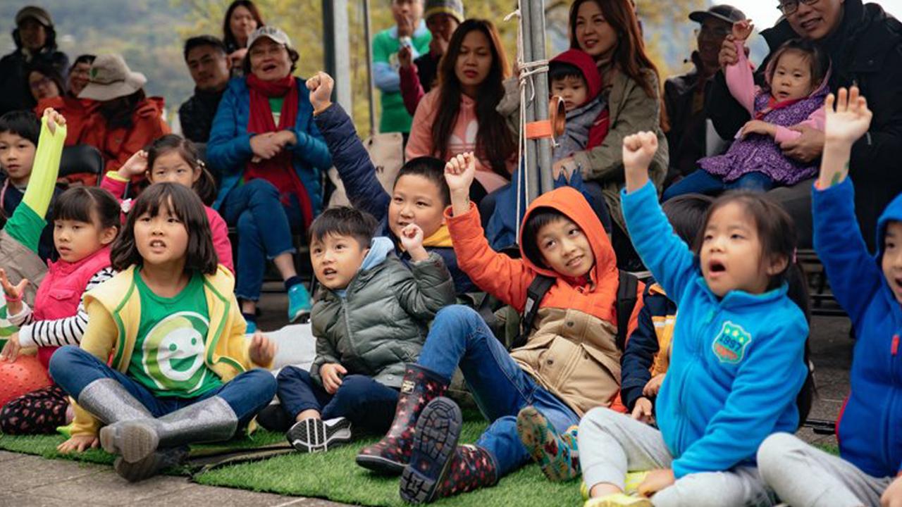 孩子最容易驅動家庭的行為,讓孩子掌握正確觀念是最好禮物。 圖片來源/DOMI
