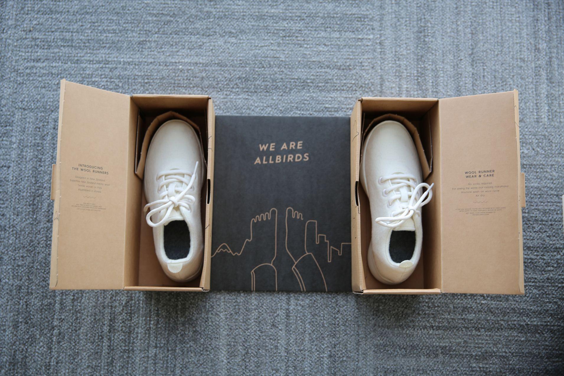 Allbirds正在申請中的專利包裝是結合鞋盒和運送盒二合一 ,比其他傳統電商鞋的包材少40%。 Photo Credit :  CNBC.com