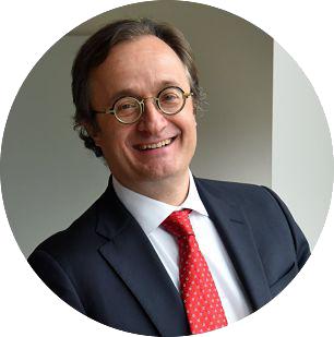 我們相信在透過教育轉變人們生活和促成長久 改變的同時,持續提供給股東有吸引力的投資 標的是有可以實現的。 - Laureate International Universities 執行長 — Eilif Serck-Hanssen