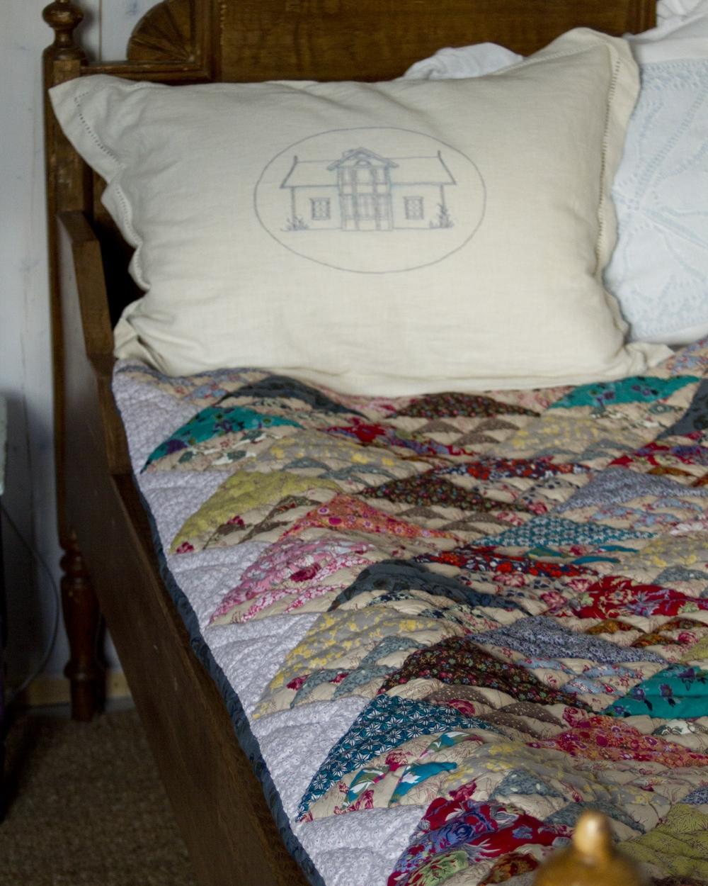 håndquiltet-teppe