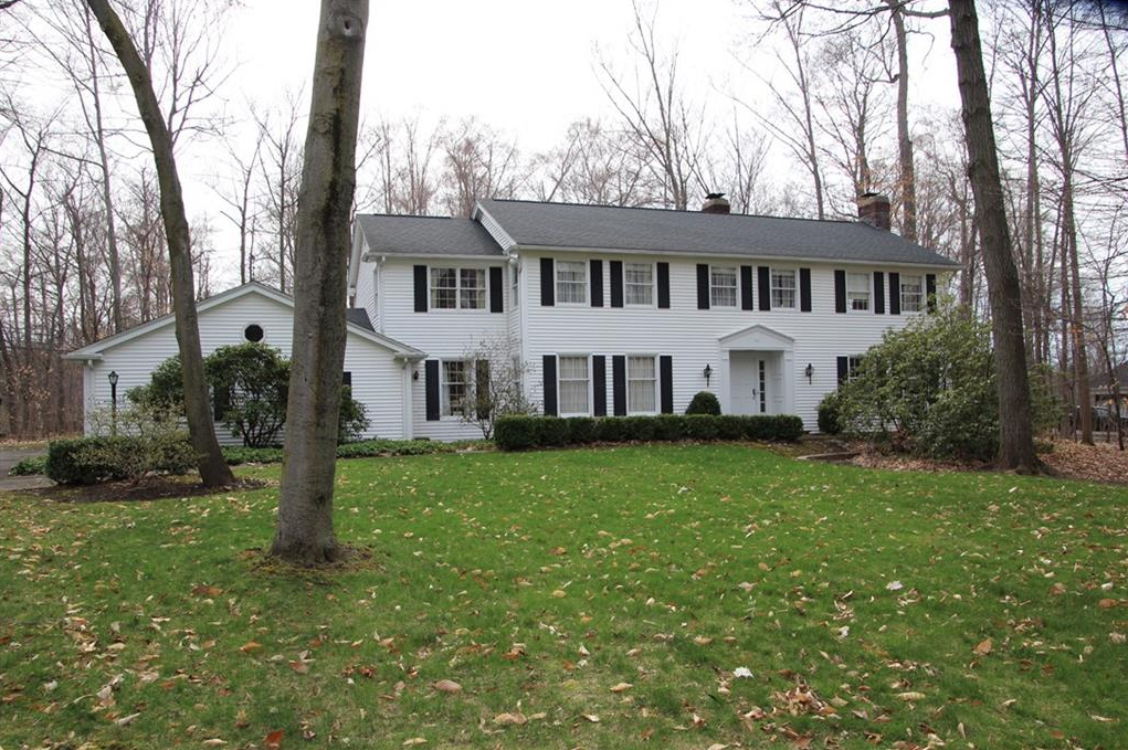 6 Woods Hole Ct, Pittsford, Tobey Estates, Sarah Welch, Realtor, Howard Hanna, Real Estate, Top Agent.png