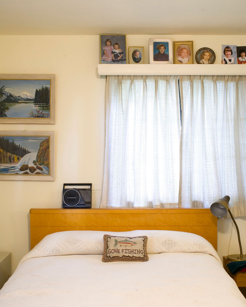 "Title: 4534A-19617 (bedroom), Archival pigment print, 16x20"", 2008"