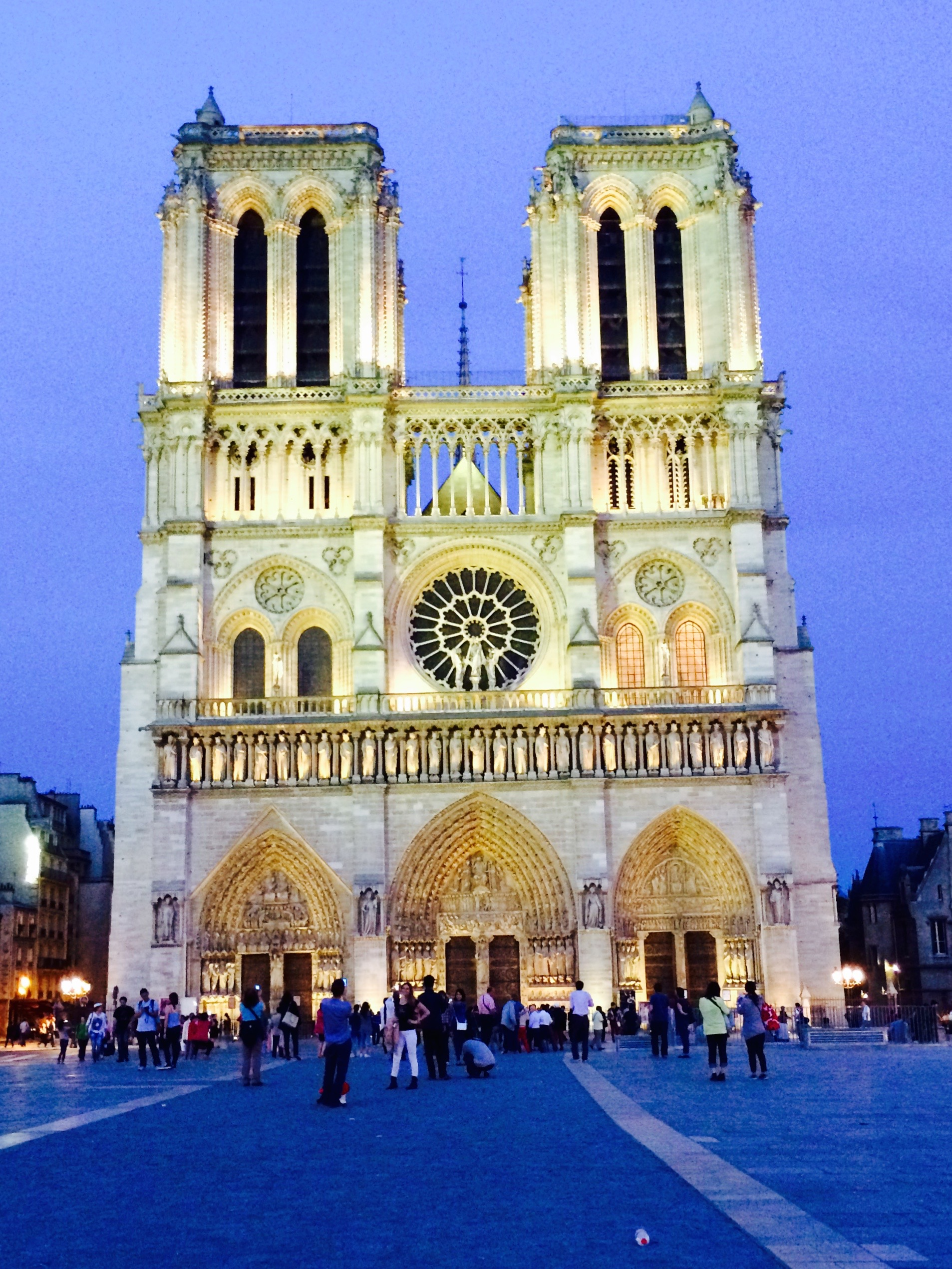 Notre Dame Church, Paris France - 3 Days*