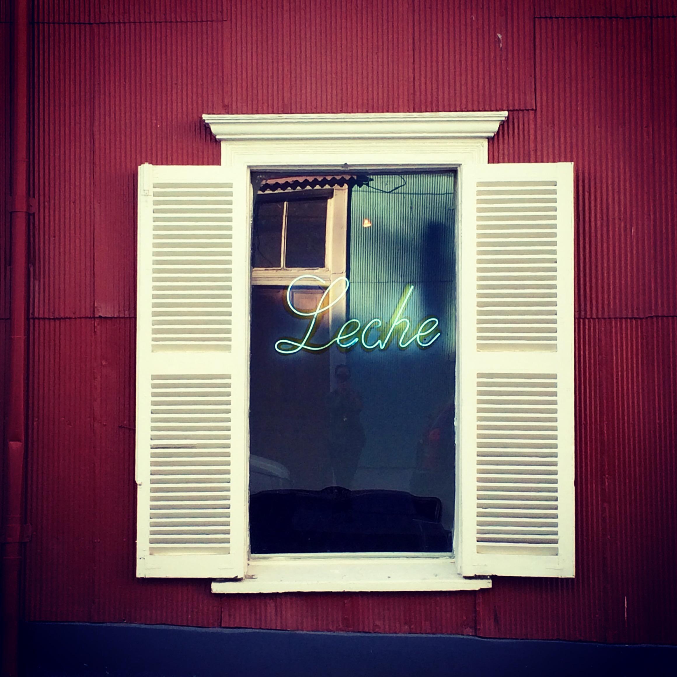 Leche in Valparaiso Chile - 3 Days*