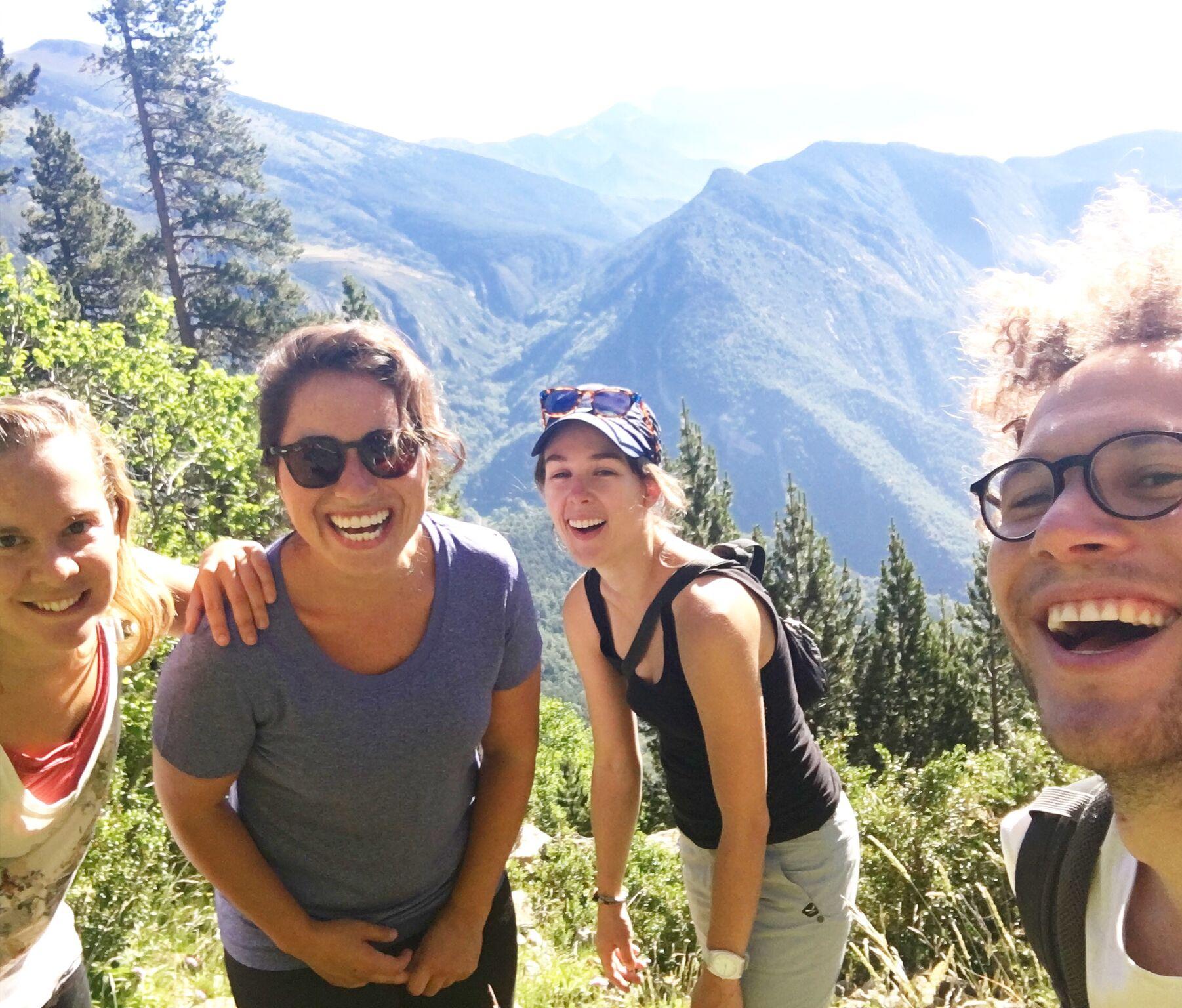 Hallie Applebaum (second to left) in the Pyrenees - hiking with friends - 3 Days* (📸 Hallie Applebaum)