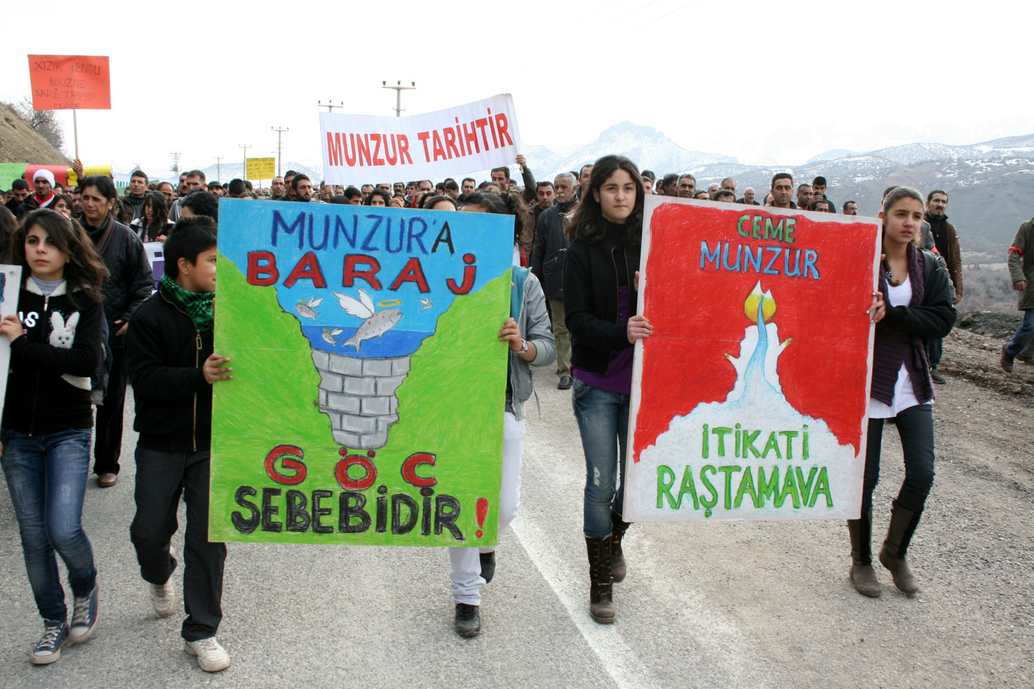 Protests against the dams in 2012. Photo by     Akın     Gedik.
