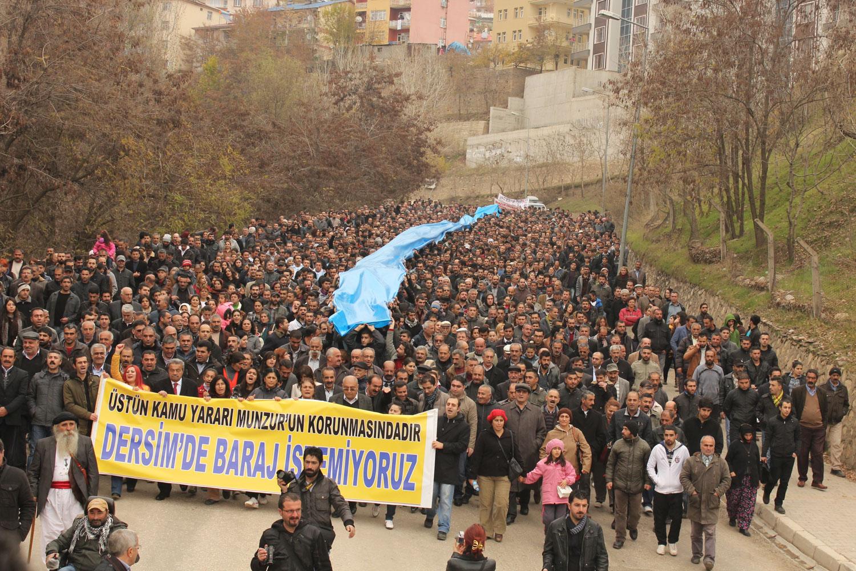 A protest in October, 2009, against the Uzunçayır Dam. Photo By     Akın     Gedik.