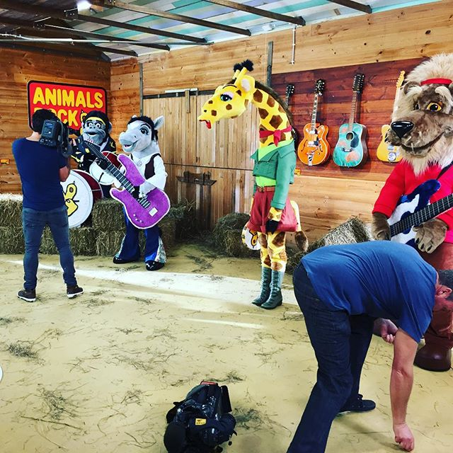 Last minute rehearsals at the @animalsrockmusic clubhouse and then we hit the road for @theessentialbabyandtoddlershow in Melbourne for Friday/sat/sun. Shows at 10 and 1:15pm! Come and see us play at the Melbourne Exhibition Hall. Tickets are free if you register before 5pm today xx