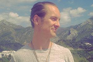 Chris Argus Raw Iyengar Yoga Teacher Olive Retreat