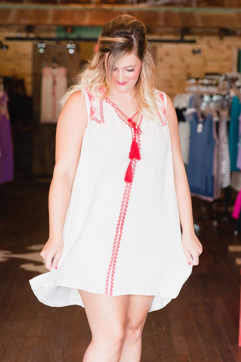 what_to_wear_for_senior_pictures_FlyingVMercantile_BoutiqueFeature_122.jpg