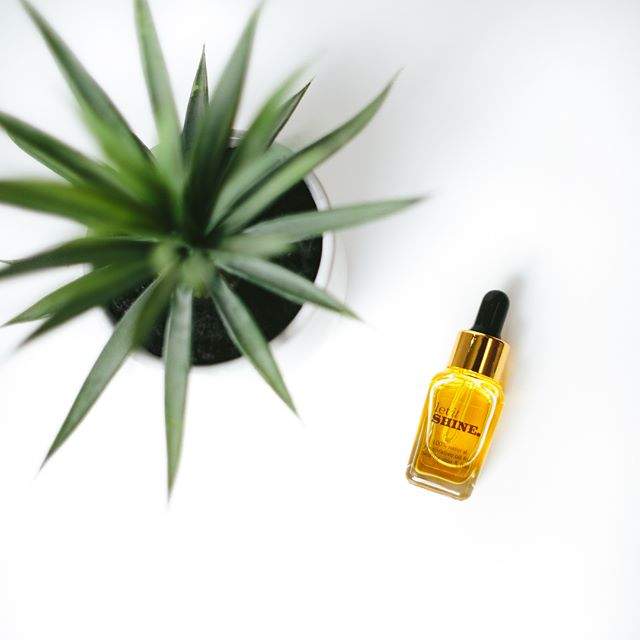 Marula Oil is the new Argan right now, but it's been used for skin and hair for hundreds of years. Let It Shine is a powerhouse triad of 3 of the best oils on earth. Most products contain traces of these oils, but Let It Shine is 100% pure oil. Like liquid gold in a bottle. Marula, Moringa, and Rosehip Seed oil. You can't find a better combination than this! Click the link to shop now because next week it will be sold for $35. (Currently $20, run don't walk!)