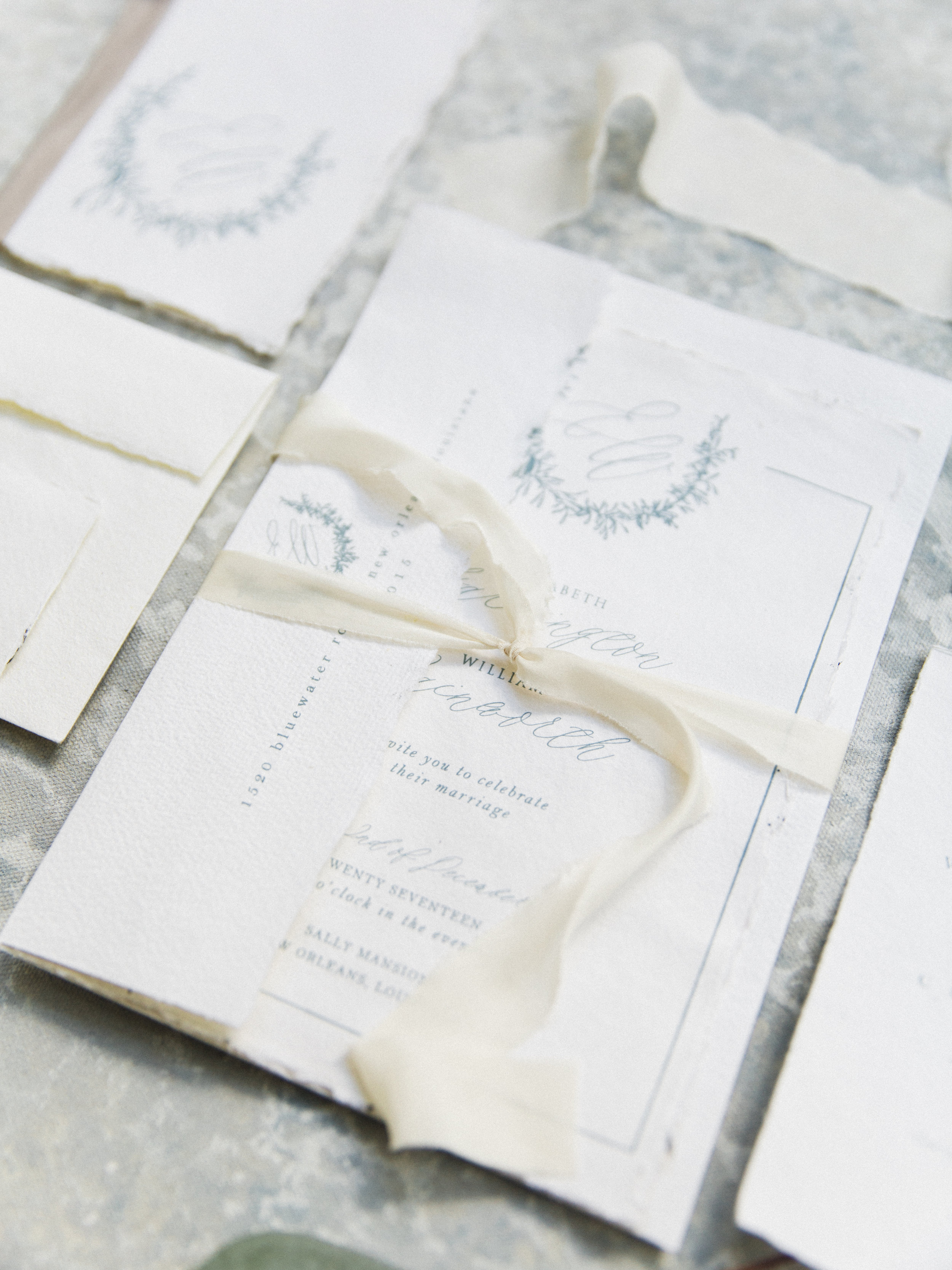 dusty blue wedding stationery || The Little Blue Chair  by Hope Johnson || thelittlebluechair.com/theonepageweddingplanner