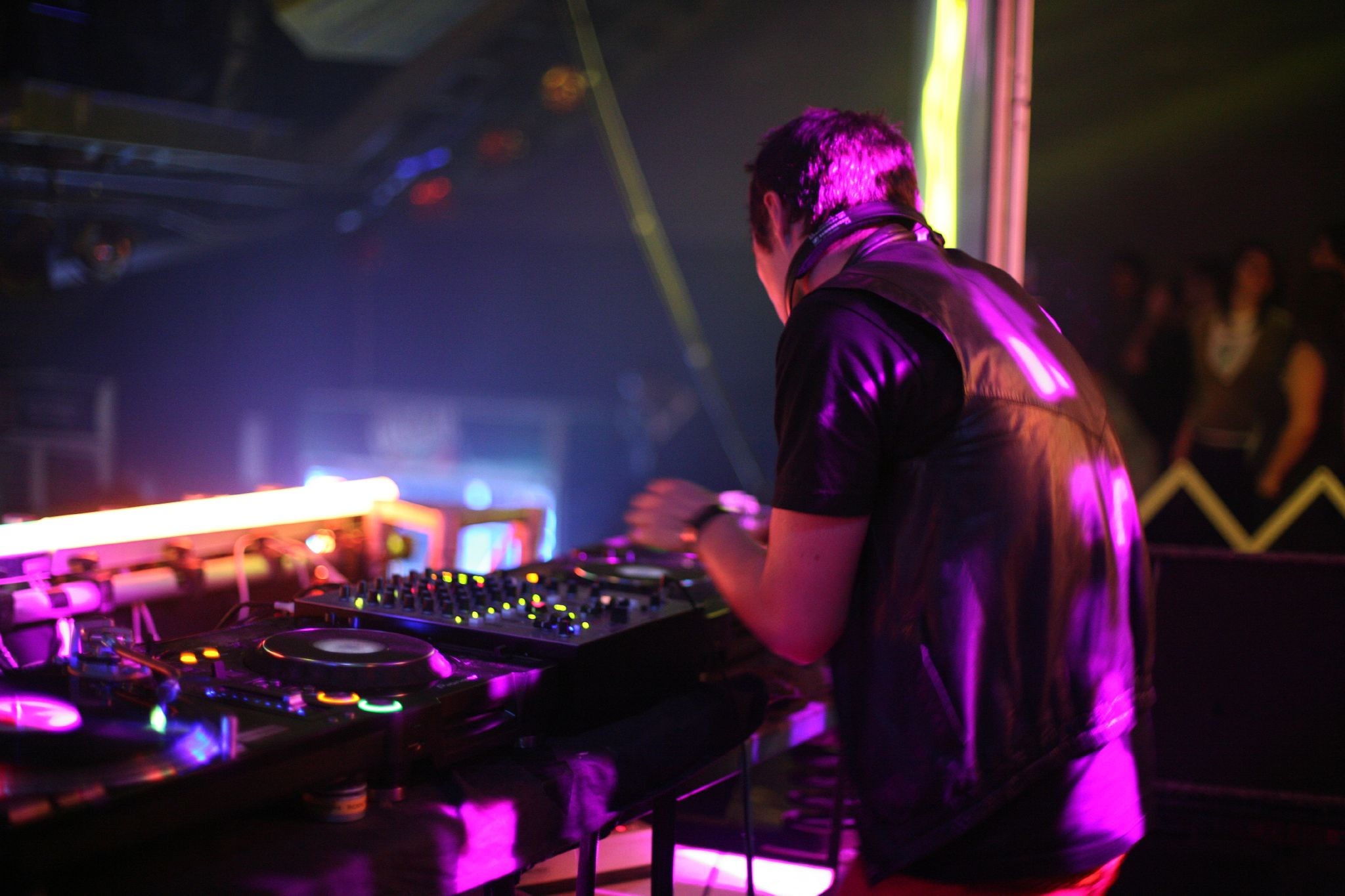 Ajax_DJ.jpg