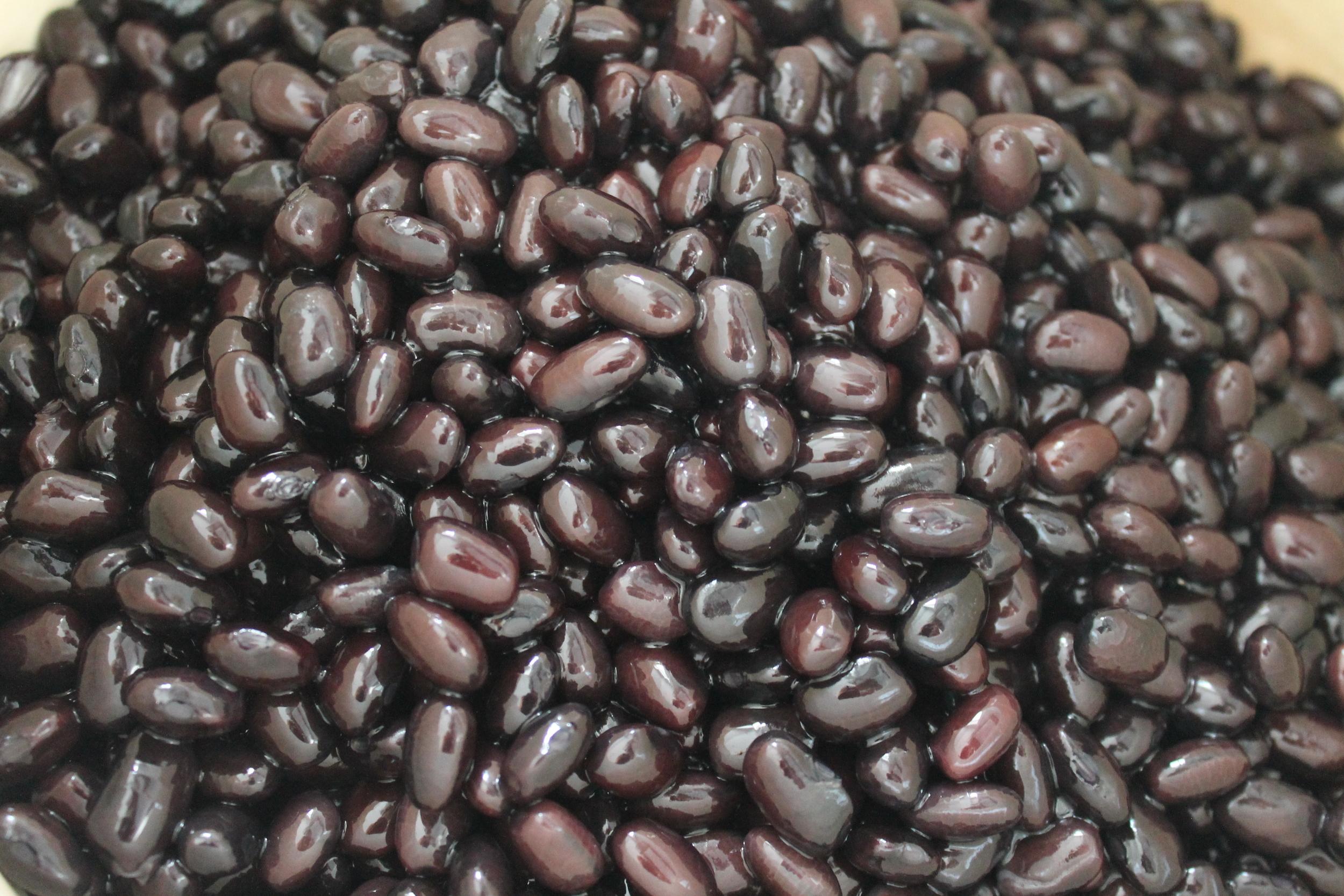 Par-cooked black beans