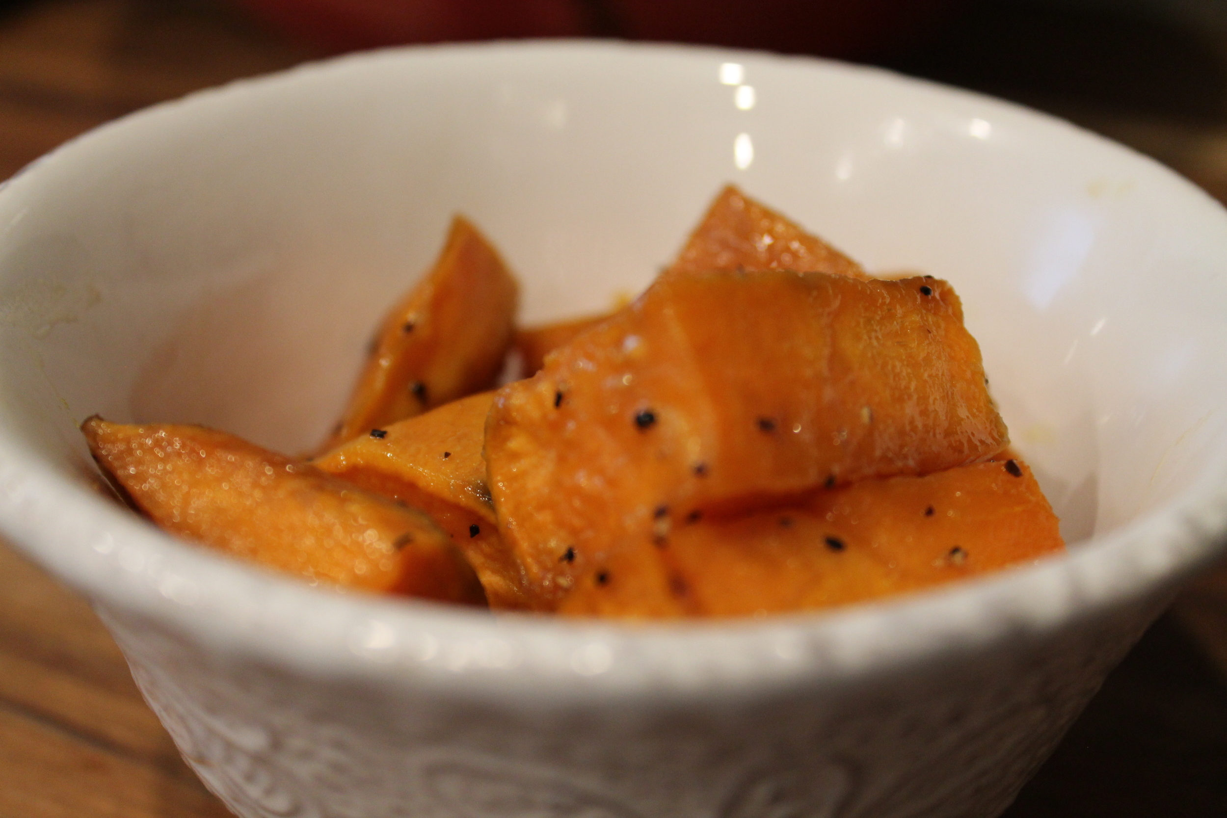Maple Roasted Sweet Potatoes (GF,V) by www.fernsandpeonies.com