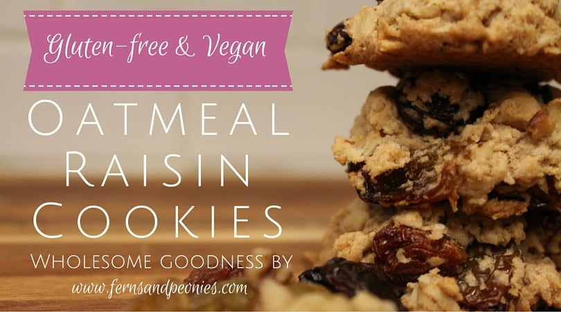 Vegan & Gluten-free Oatmeal Raisin Cookies. Wholesome goodness by www.fernsandpeonies.com