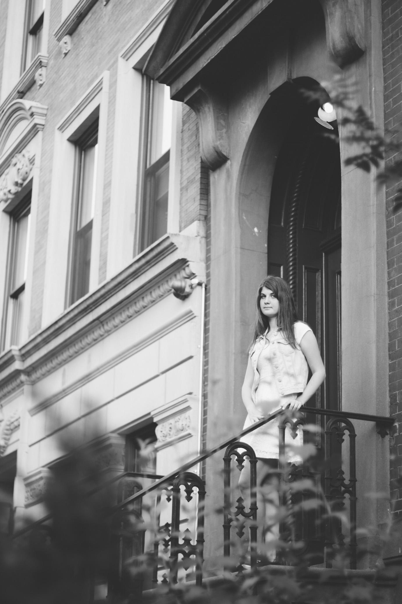 katya senior photography brownstone chelsea denim white dress irra korrelat walksmilesnap new york.jpg
