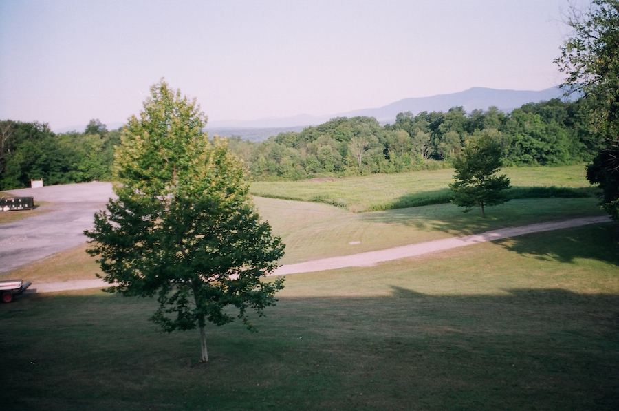 korrelatik vid iz okna bard college 35mm01.JPG
