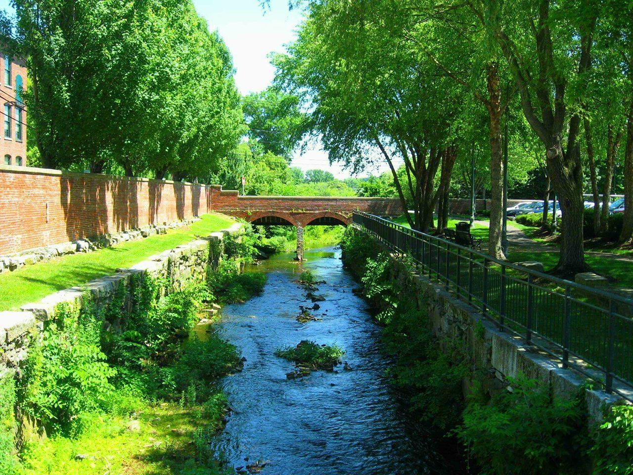 GREEN CANAL.jpg