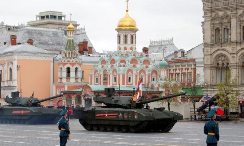 Russian Tanks Kremlin.JPG