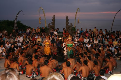 kecak-dance-in-uluwatu-10.jpg