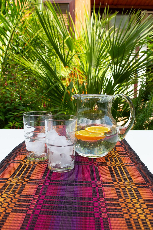 Arriba table runner - Refreshments time