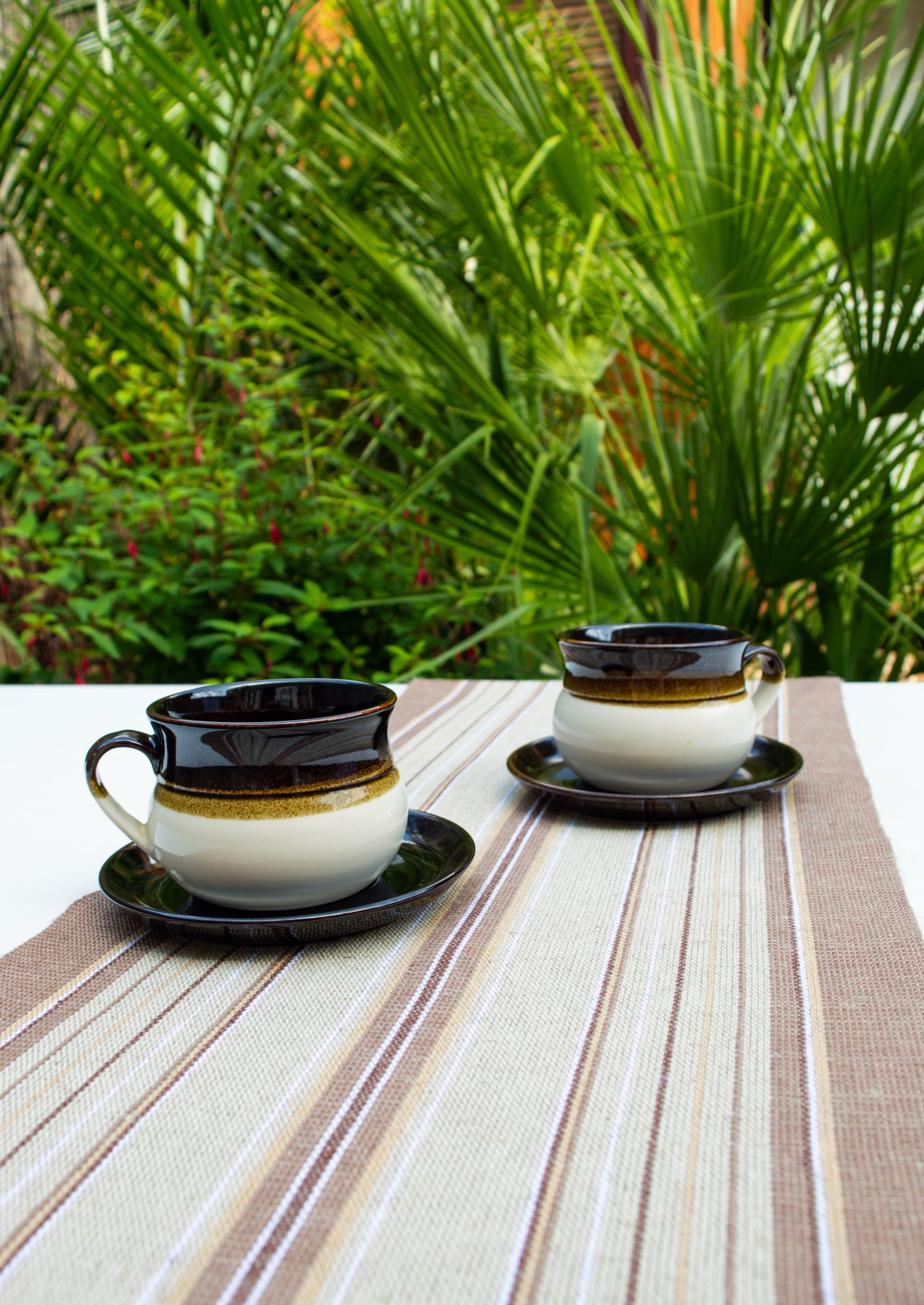 Julliden (brown) table runner - Coffee for two