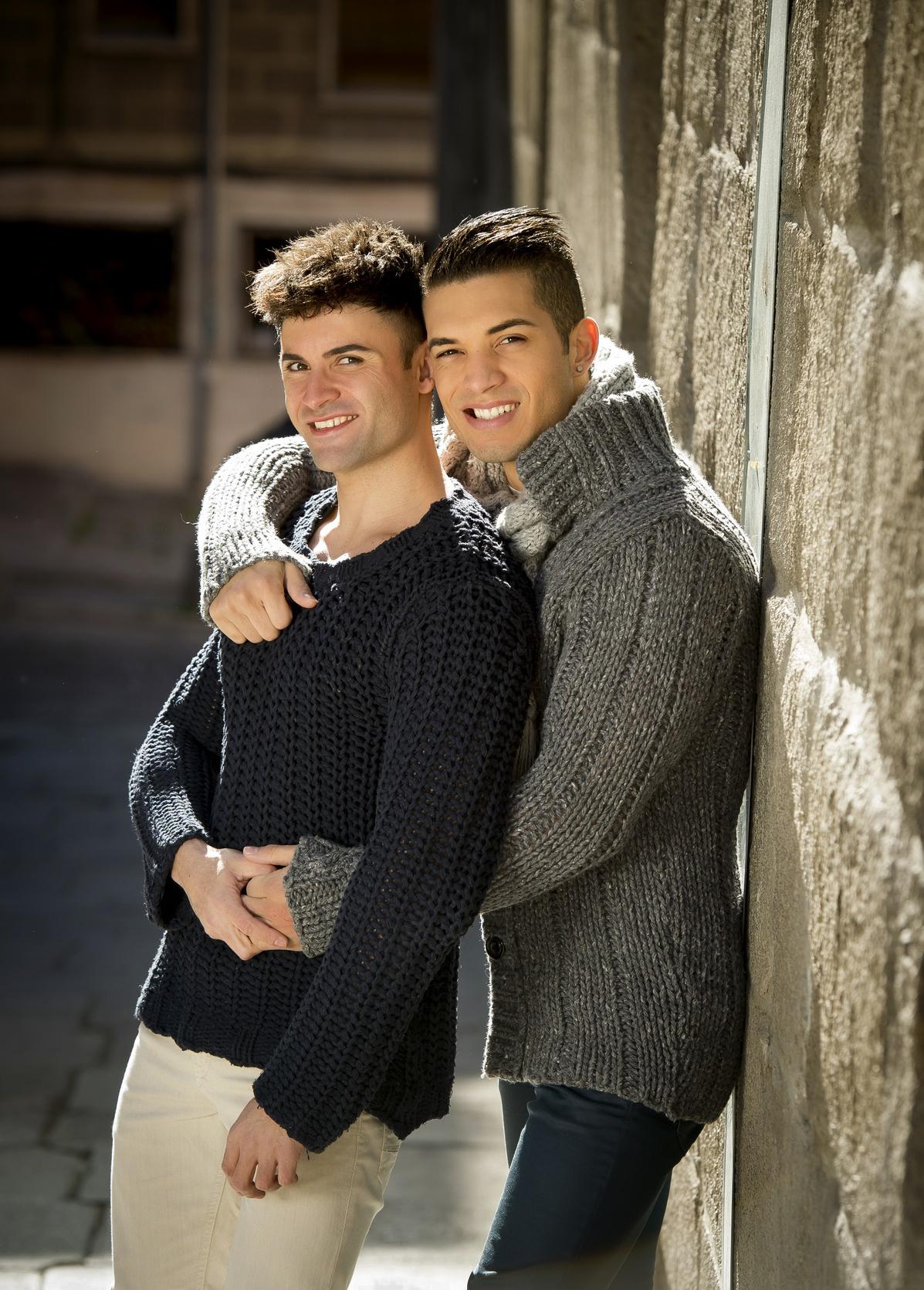 kansas-City--young-happy-gay-LGBT-Country-Club-Plaza.jpg