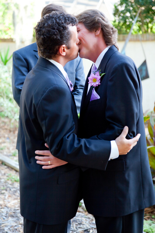 Lesbian-Kansas-gay-wedding-kiss-l.jpg