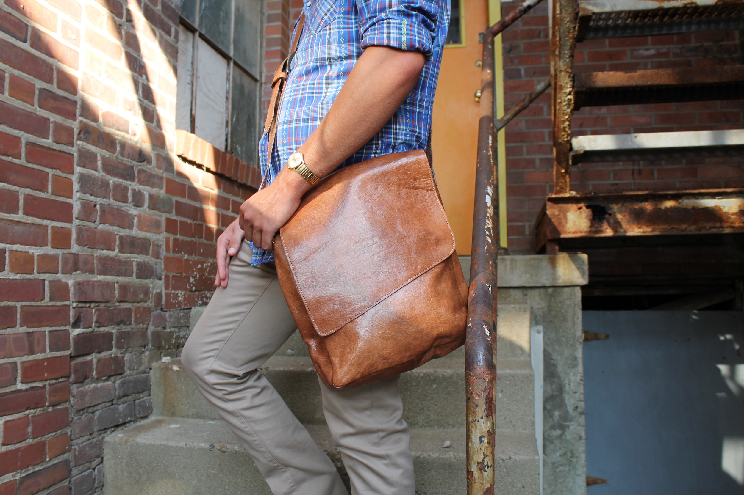 Rahel Messenger Bag   A messenger tailored to both men and women.