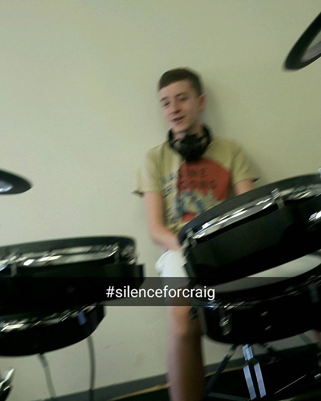 #silenceforcraig Pass it on. New song coming out soon, cant wait to play it April 8th, be there or be ◼