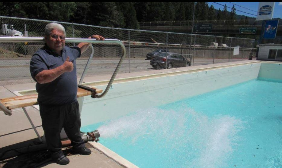 Dunsmuir Fiberglass Pool Repair - photo by Taft Midway Driller