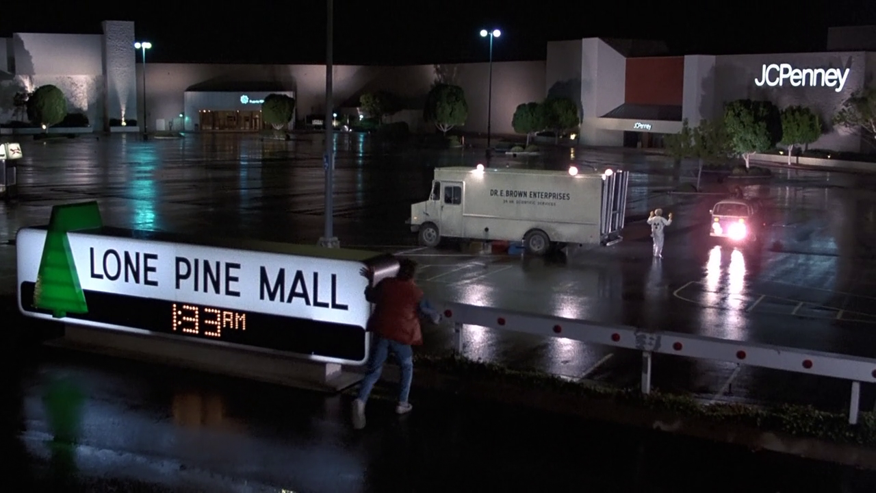 BackToTheFuture_LonePineMall