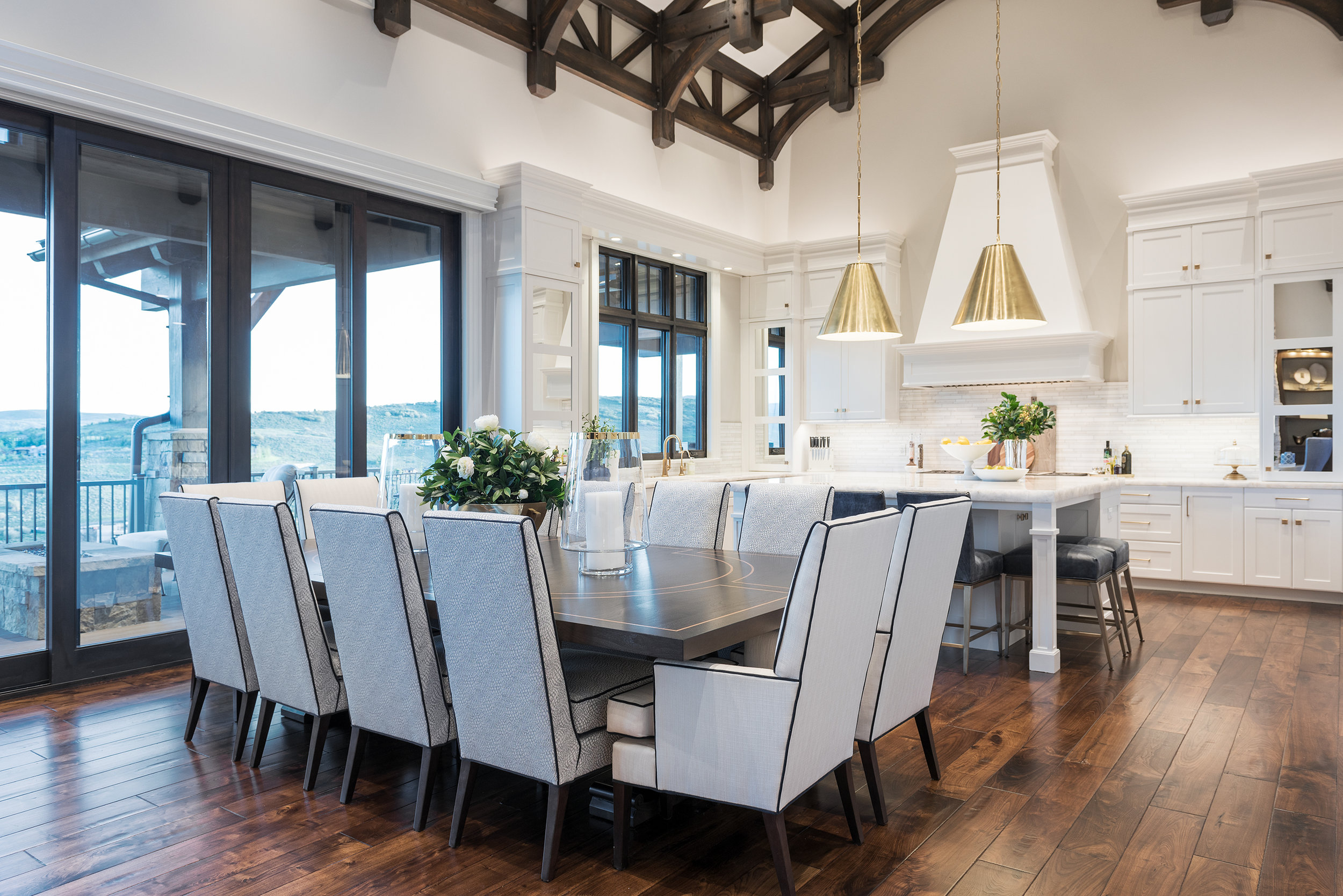 Dining Room by Cameo Homes Inc.