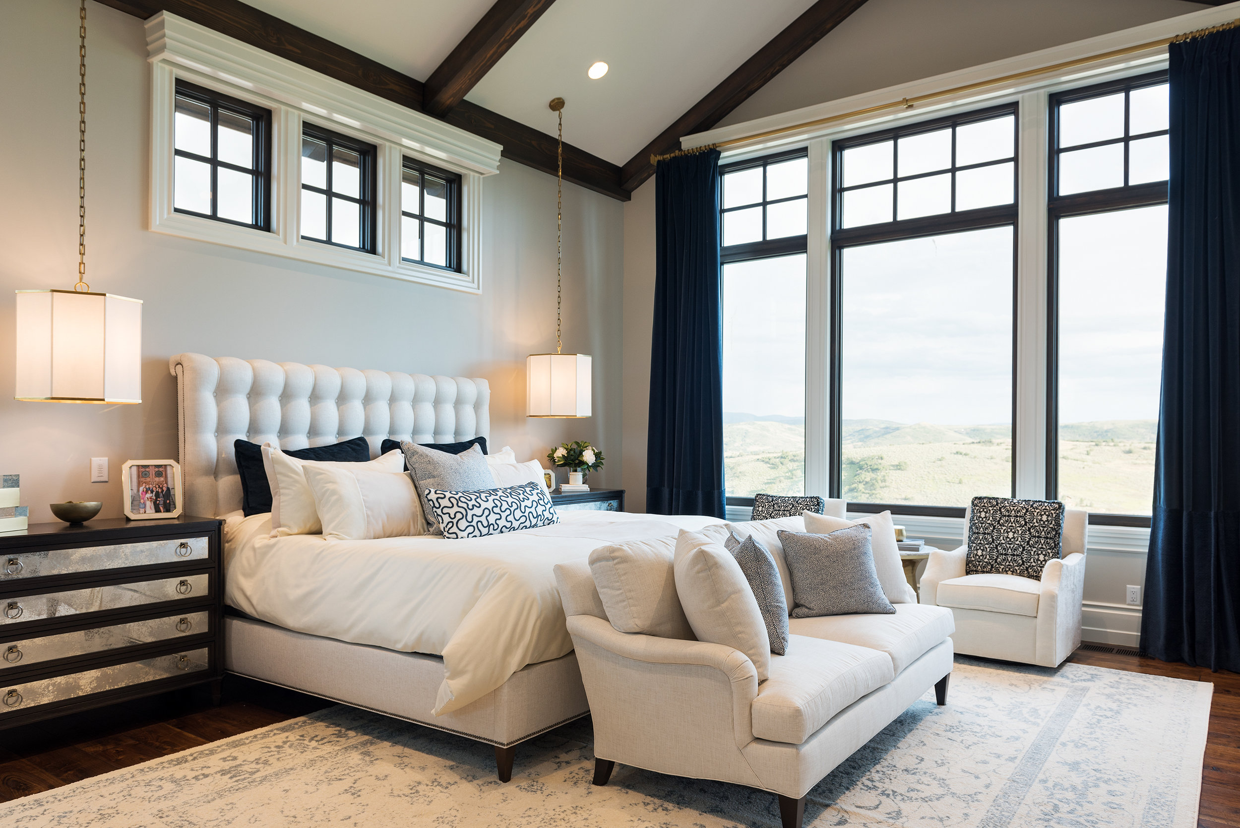 Master Suite by Cameo Homes Inc.