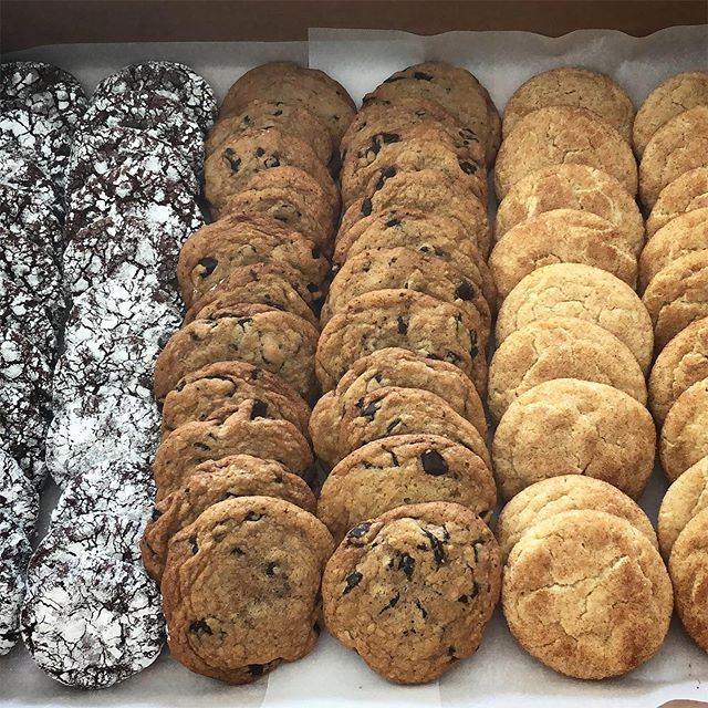 """Can I order a cookie platter?"" Okay.  #chocolatecrinkles #chocolatechip #snickerdoodles #backtobasics #cookies l"