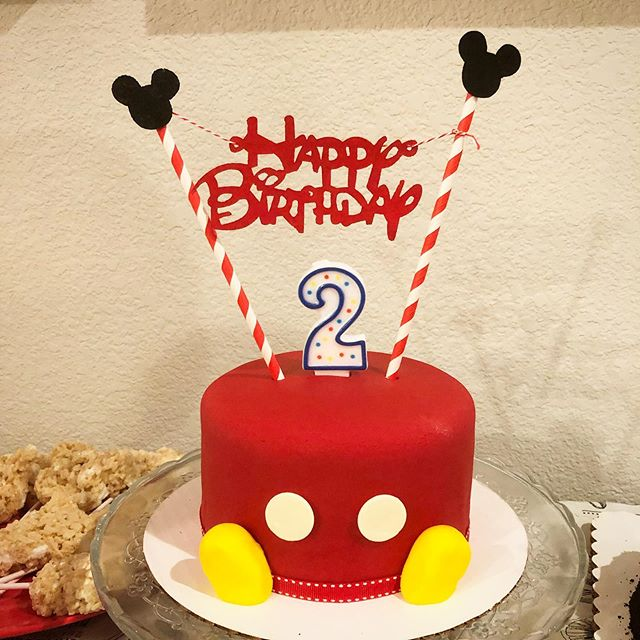 I don't make cakes often, but when I do, it's for a baby that just turned 2 and happens to be mine. #mickeymouse #cake